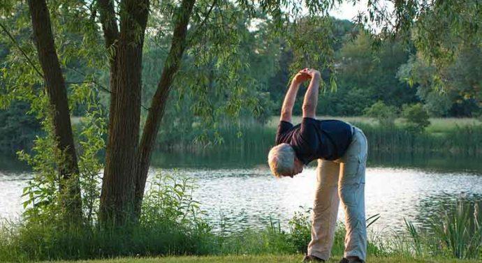 ท่าออกกำลังกายเบาๆ สำหรับผู้สูงอายุมีอะไรบ้าง
